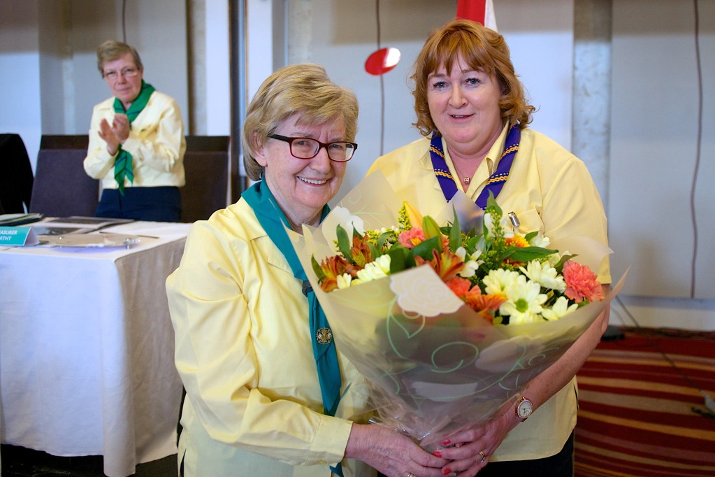 Dolores Farnan receives the Lifetime Award from Chief Commissioner Emily McCann.